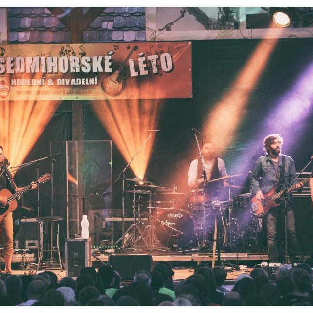 SEDMIHORSKÉ LÉTO 2017 – FESTIVAL UPROSTŘED ČESKÉHO RÁJE PLNÝ DIVADLA A KONCERTŮ